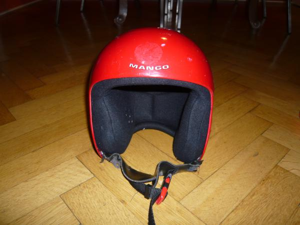 Dětská sjezdařská helma