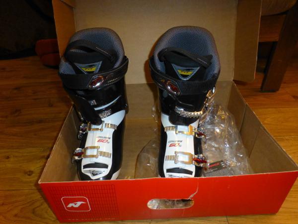 58b920b9a1d Prodám Dámské lyžařské boty Nordica - Nové - Praha západ