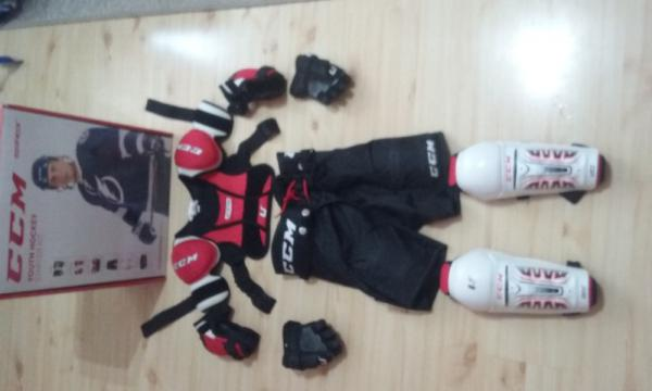Prodám Dětská hokejová výstroj CCM - Prostějov eff96b6ac0